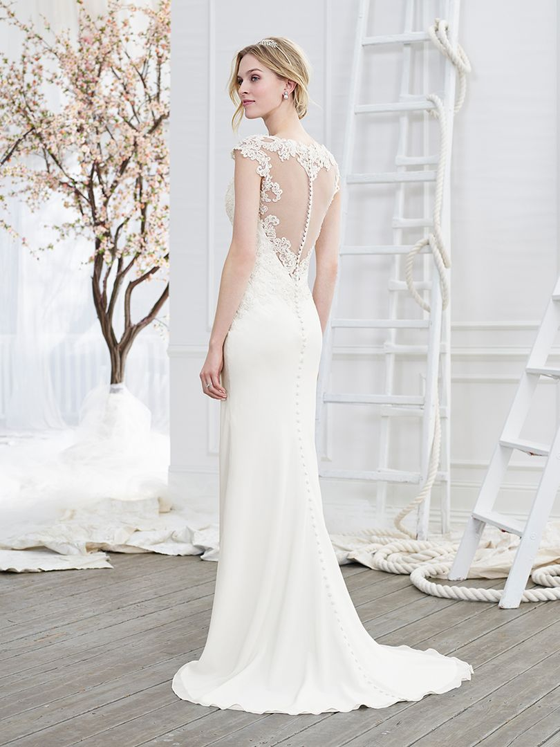 Stunning Wedding Dresses With Buttons Contemporary - Styles & Ideas ...
